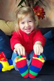 Kinder-Zehensocken, Bauklötzchen. Fünffarbig.
