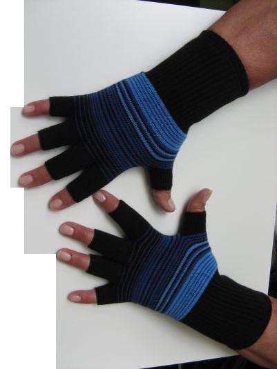 handschuhe kurzfinger ringel dreifarbig schwarz blau hellblau material 95 baumwolle 5. Black Bedroom Furniture Sets. Home Design Ideas